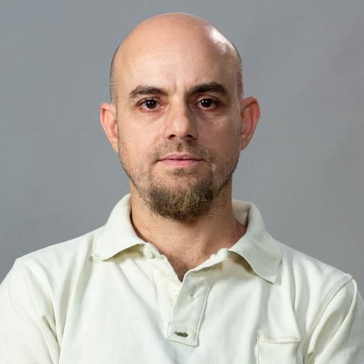Prof. Eduardo Elía